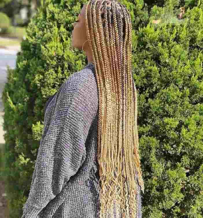 blonde knotless braids